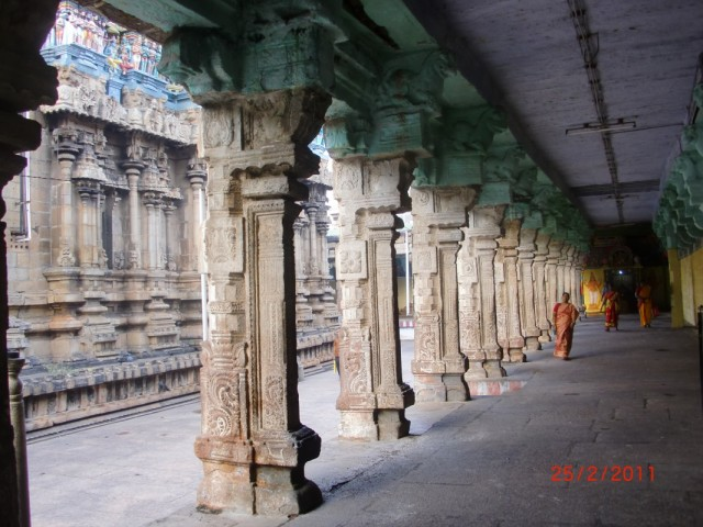 Трехуровневый храм Вишну, нижний уровень