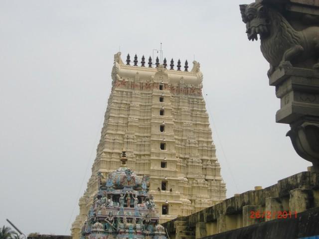 храм, внутрений двор 1