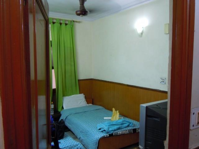 Такая комната в гёсте ( 350 рупий )