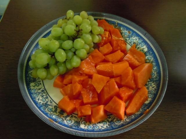 Папайя и виноград
