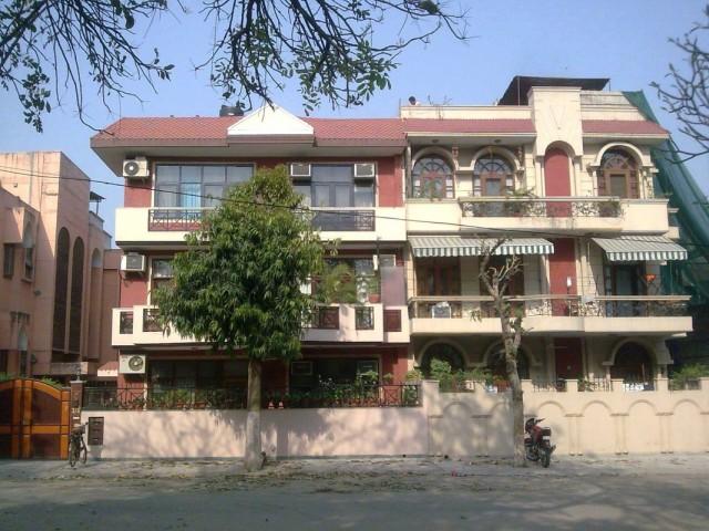 Safdarjang Enclave 2