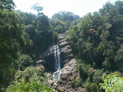 водопад по дороге