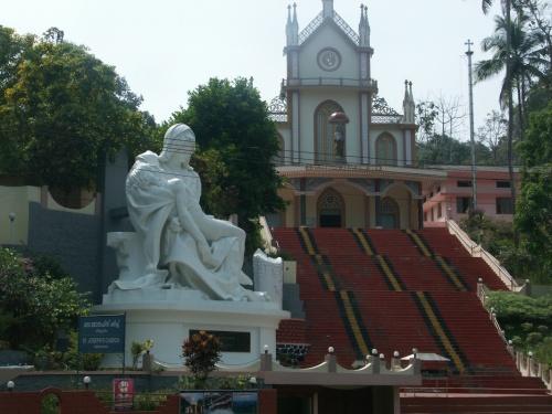 церковь по дороге в Котоям