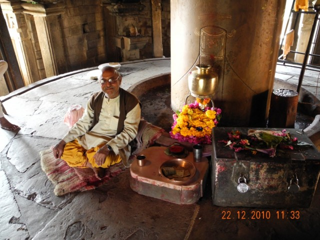 Действующий храм в Каджурахо