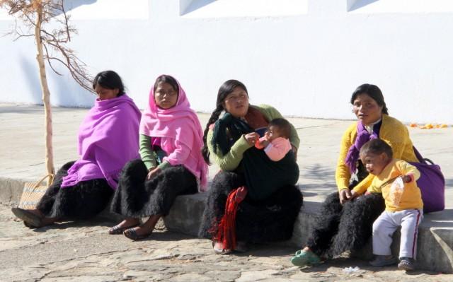 Местные барышни выходят замуж рано в 14-16 лет