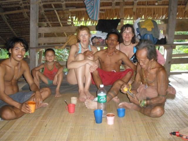 выпиваем и шаман с нами