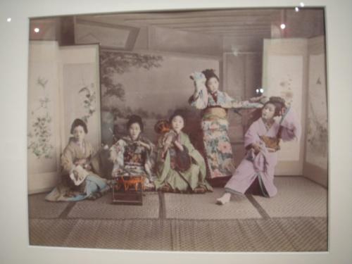 Девушки из чайного дома