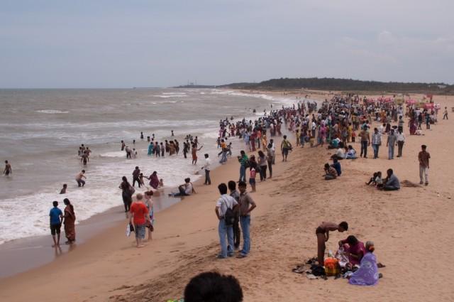 индийский пляж в выходной