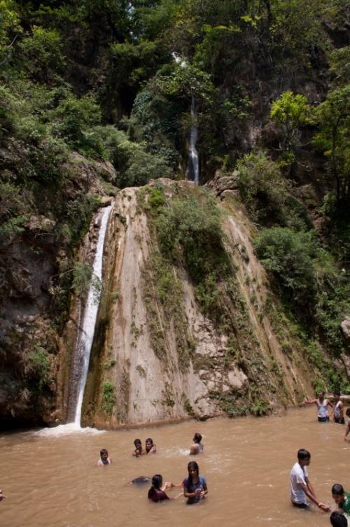 водопад 2-Neer.купаться там не захотелось и мы пошли выше