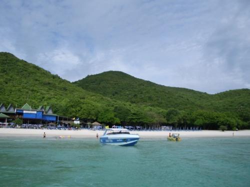 Тай, остров недалеко от Паттайи (не помню как называется)