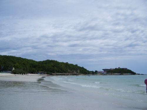 опять пляж
