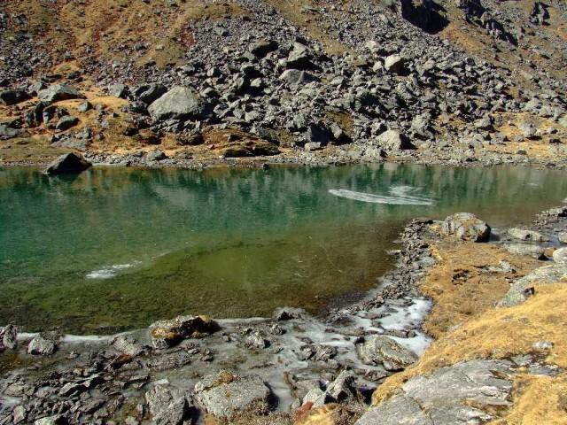 Конец ноября, каток на озере Лама. Толщина льда 10 см