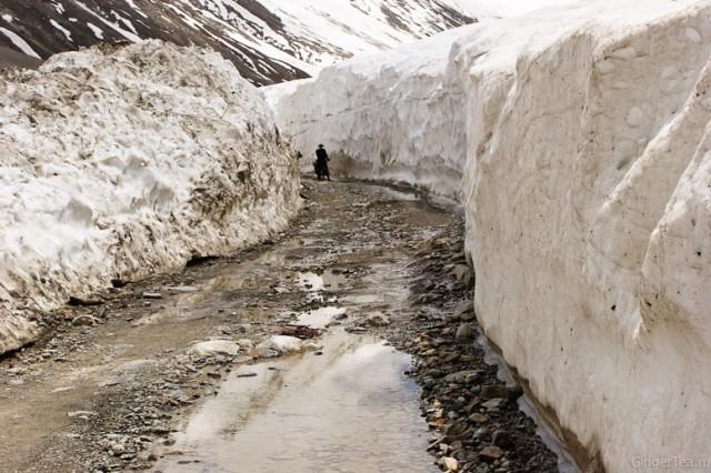 Дорога по Лахулу в середине июня