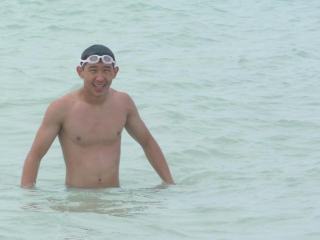 а лучше всего конечно купаться