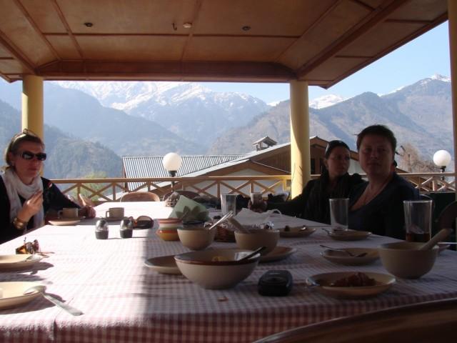 долина Куллу,Наггар, завтрак в отеле Рагини