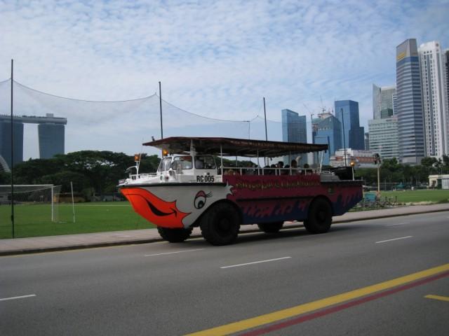Туристический Автобус-амфибия в Сингапуре