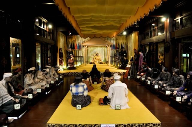 Одна из сценок музея: на приеме у султана