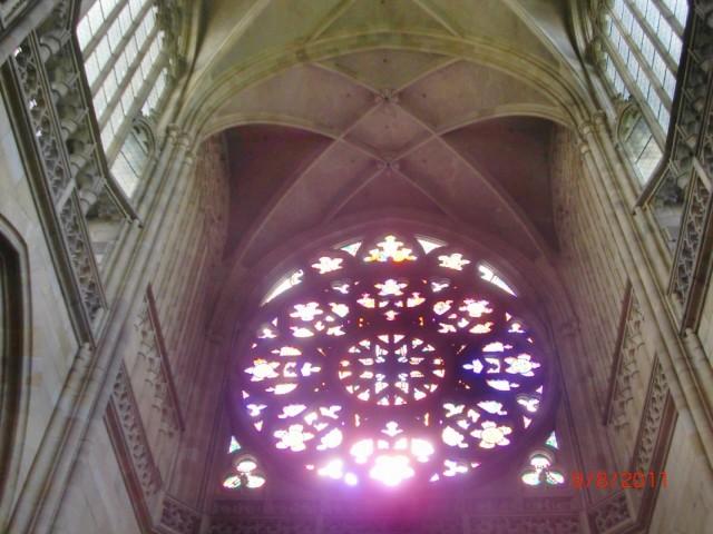 """""""Роза"""", вид изнутри собора Св. Вита"""