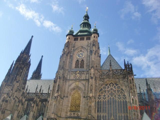 Собор Св. Вита, со стороены  часовой башни
