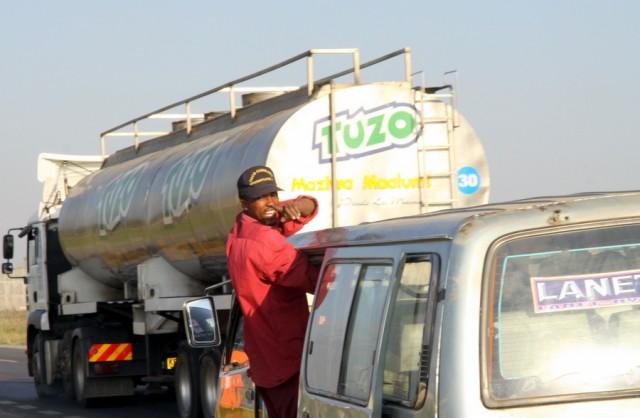 Маршрутка с бензовозом не катит