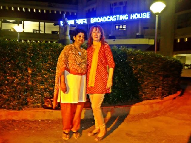 Малика Гупта и Клера Сингх за час до сегодняшнего эфира