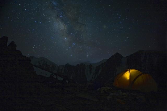 лагерь на   ребре горы 5600м