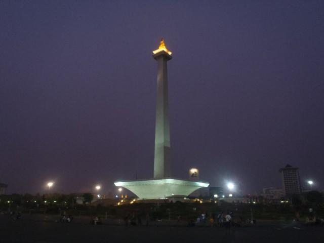 Монумент Monas