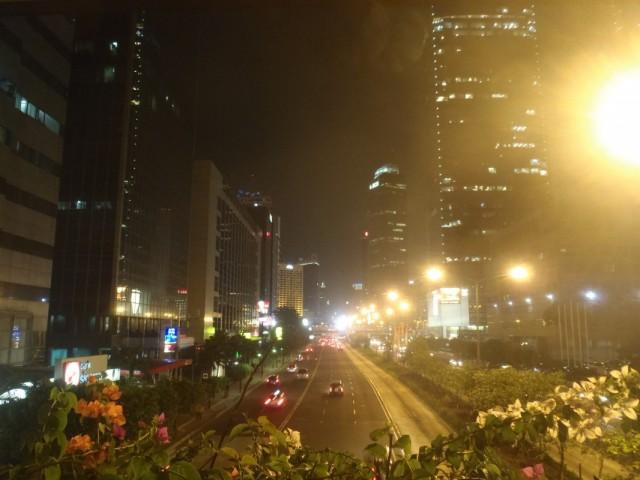 Jalan Thamrin ночью