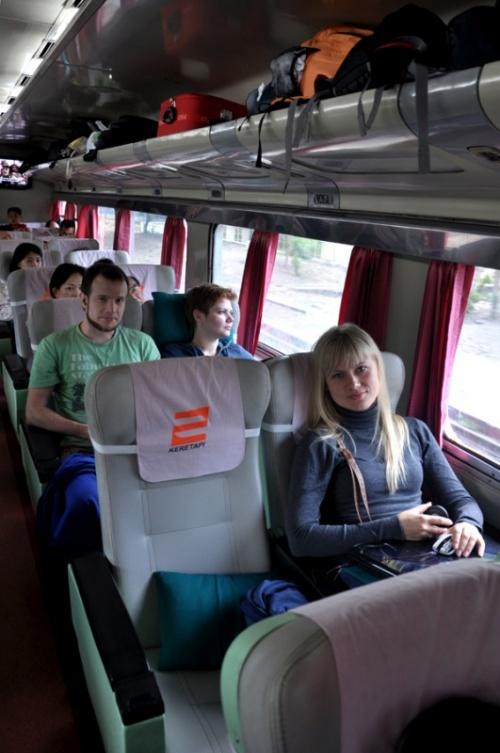 Поезд Джогья-Сурабайя
