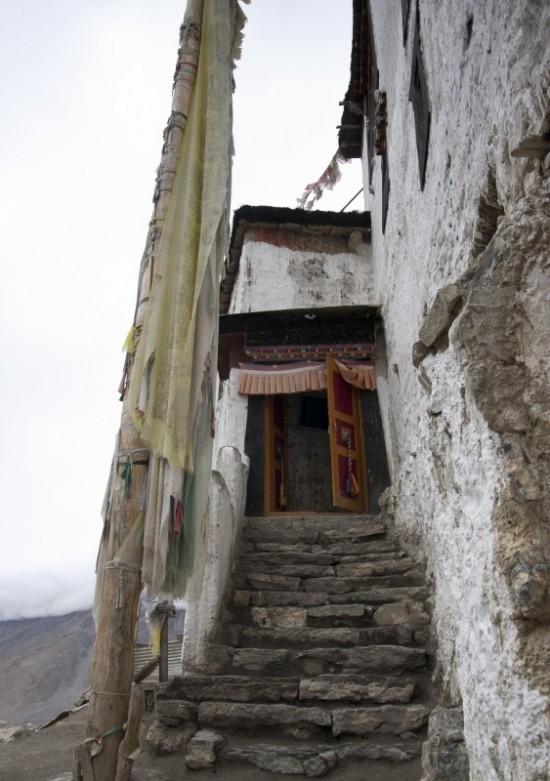 вход в монастырь Данкар