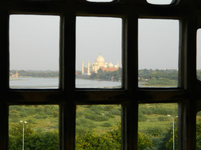 Вид на Тадж -Махал из Красного форта.