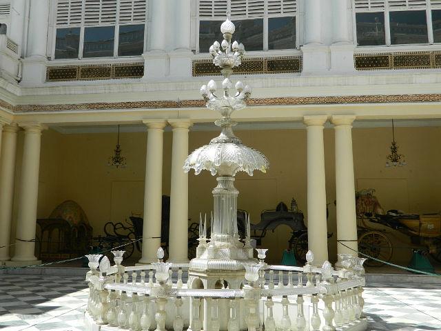 Внутренний дворик дворца.
