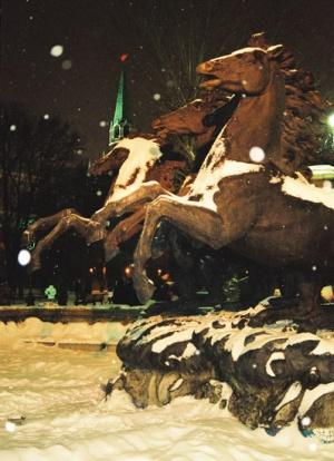 Даже кони на Манежной вздыбились! Вот такой была вечеринка!