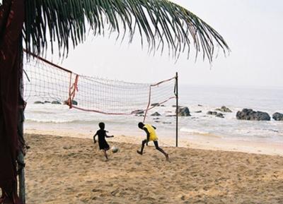 А это - немного Африки (Сенегал, Сали) и футбола...куда без него этим летом.