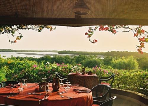 А это - утро и вид на лугуну и мангровые массивы.