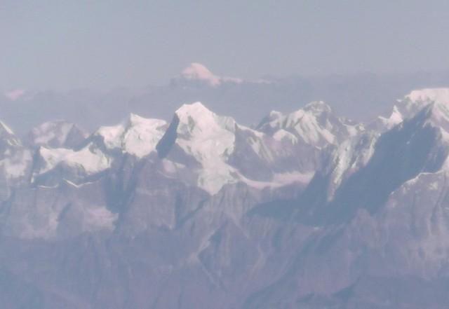 Вид на Кайлас из самолета Катманду - Дели (на переднем плане Сайпал Химал).
