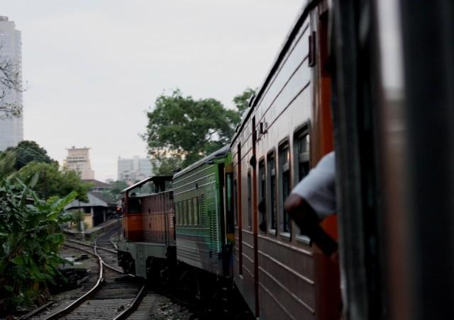 Поезд с квадратными колесами