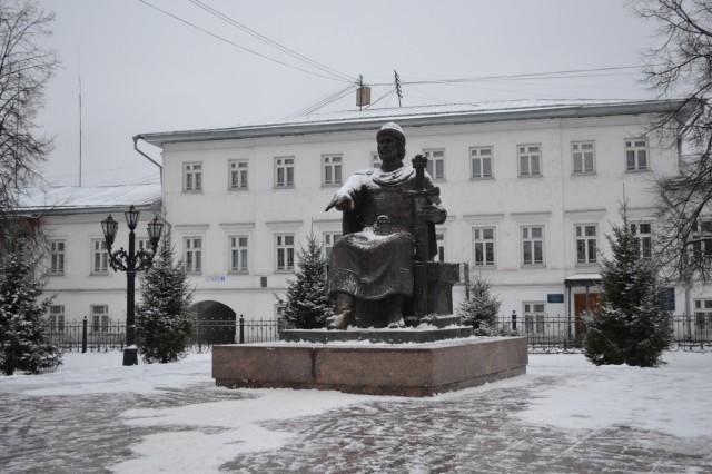 памятник Ю.Долгорукому