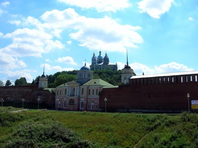 Днепровские ворота, вид на Соборную гору и Успенский собор