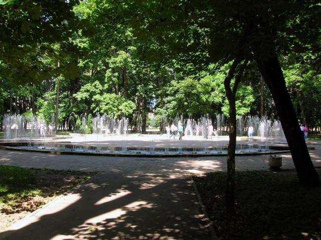 Сквер с фонтанами