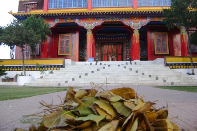 На фотографии главный храм монастыря Менри