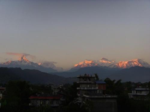 Закат над Покхарой