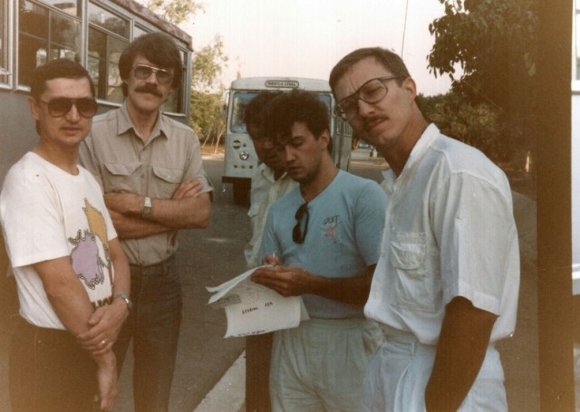 утренний сбор переводчиков перед отъездом на завод