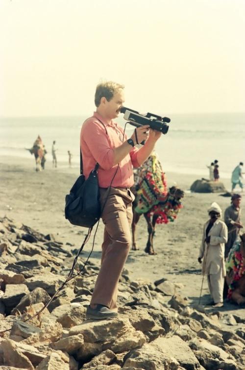 съемка докум фильма про Карачи на Клифтоне