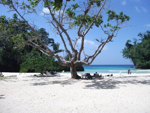 пляж в Порт Антонио