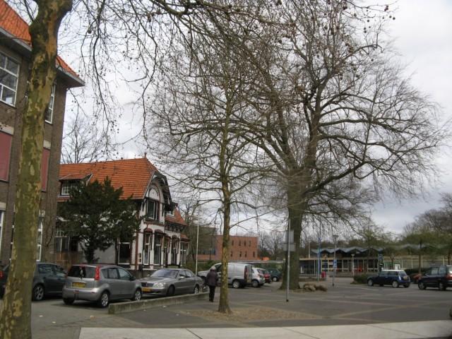 Улицы Эммена. На подходе к автовокзалу и просто вокзалу - они рядом, на одной площади
