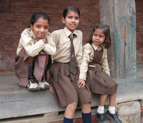 школьницы Бхактапура
