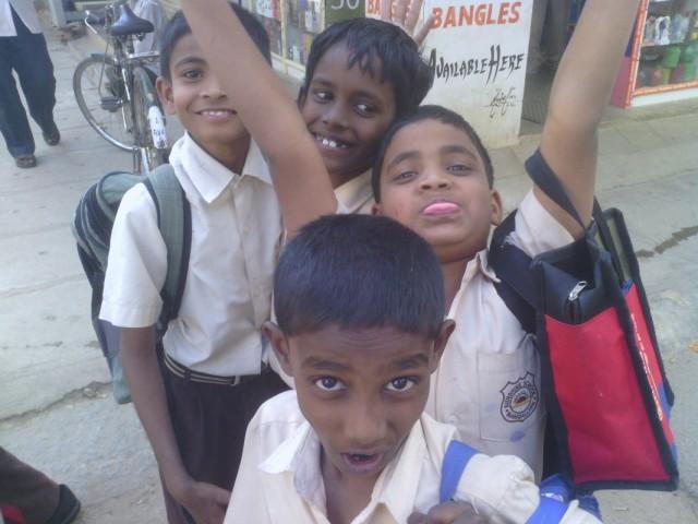 Бангалор, школьники