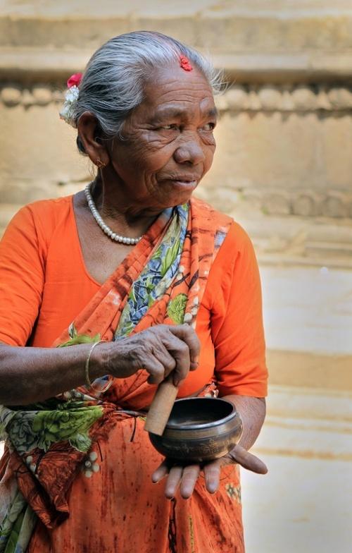 Поющие чаши по 100 рупий
