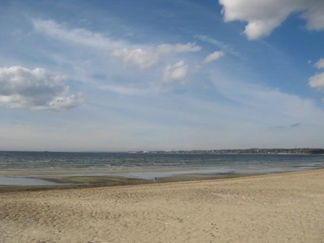 Где-то слева в углу остров Аегна...
